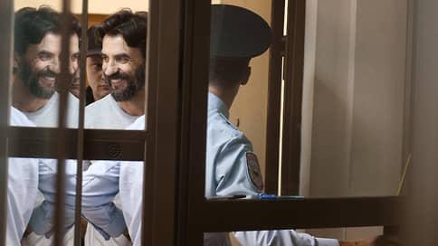 В действиях адвоката не нашлось противоречий // Мосгорсуд возвращает юриста в дело Михаила Абызова