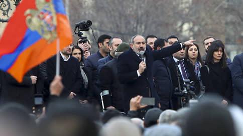 Никол Пашинян взорвался на десять процентов // Премьер Армении почувствовал угрозу военного переворота