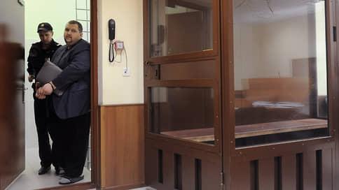 Правозащитник вышел, чтобы снова сесть // Мошенничество в «Комитете за гражданские права» оказалось рецидивным