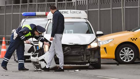 ОСАГО в два счетчика // Базовые ставки по обязательному автострахованию такси могут существенно вырасти