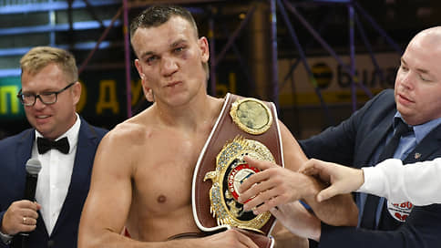 Максим Власов спустился за поясом // Российский боксер дерется за титул чемпиона WBO в полутяжелом весе с Джо Смитом-младшим
