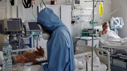 Корона на полке // Но стабильная эпидемиологическая обстановка не исключает возможность третьей волны заболеваемости