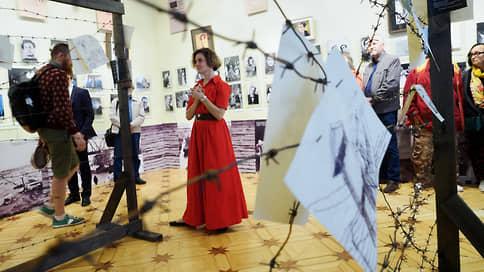 Театр начинается с вышки // «Сверхзадача — выжить» в Музее истории Петербурга