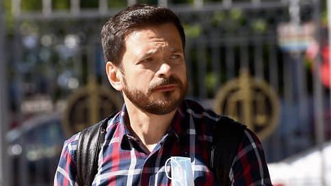 Экстремизм сняли с выборов // Суд признал законным отказ в открытии избирательных счетов соратникам Алексея Навального