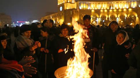 Противники Пашиняна собрались ночевать в центре Еревана