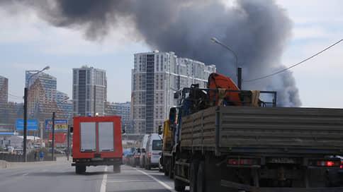 В Санкт-Петербурге горит «Невская мануфактура»