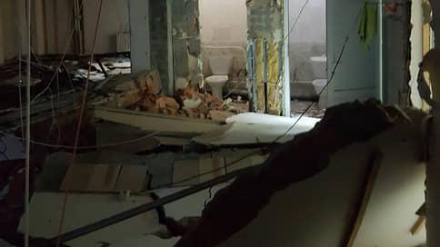 В Элисте при обрушении стены торгового центра погиб рабочий