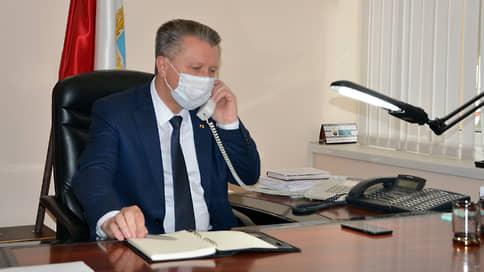 Главе района Саратовской области грозит увольнение за привлечение учителей к уборке снега
