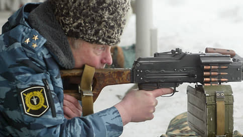 Жириновский предложил разрешить гражданам носить оружие