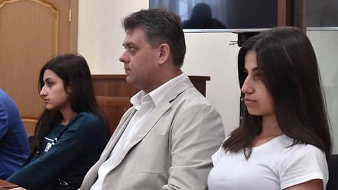Мосгорсуд вернул дело старших сестер Хачатурян на доследование