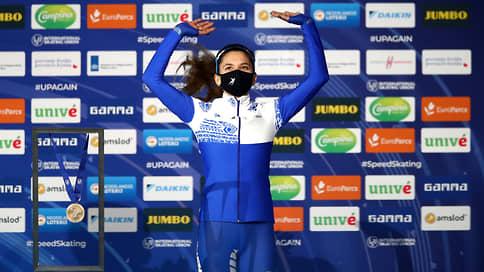 Конькобежка Лаленкова завоевала бронзу на чемпионате мира