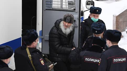 Суд продлил до конца мая арест экс-схимонаха Сергия