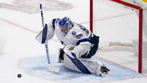 Вратарь «Тампы» Василевский стал первой звездой дня в НХЛ