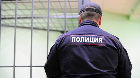 Обнаженные и оскорбленные // Полиция проверит угрозы, поступившие художнице из Уфы