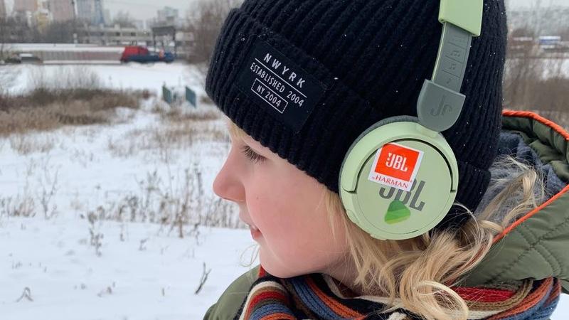 Обзор детских наушников JBL JR310BT. Модные цвета, прокачанная технологичность и продуманный дизайн