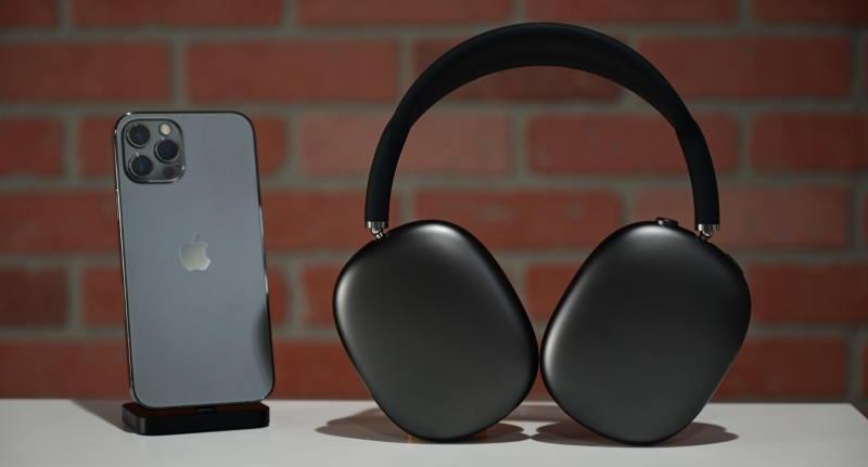 Apple готовит новую модель AirPods Max — дешевле и легче