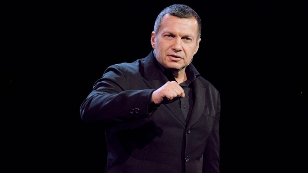 Роскомнадзор потребовал разбанить Владимира Соловьёва в Clubhouse