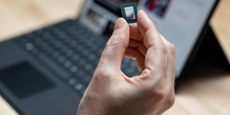 Microsoft будет выпускать свои процессоры. Акции Intel из-за этого обвалились