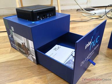 Intel рассылает журналистам домики. Упаковка нового мини-ПК NUC 11 весьма оригинальна