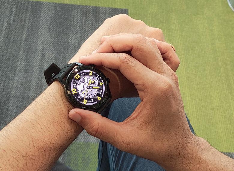 Вероятно, очень доступные флагманские умные часы. Realme Watch S Pro на первом фото