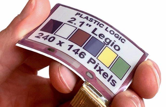 Отказ от стеклянных подложек делает гибкие цветные дисплеи E Ink пригодными для носимой электроники, встроенной в одежду