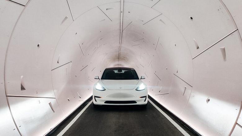 Илон Маск запустил тоннели под Лас-Вегасом, где уже разогнались на Tesla до 185 км/ч