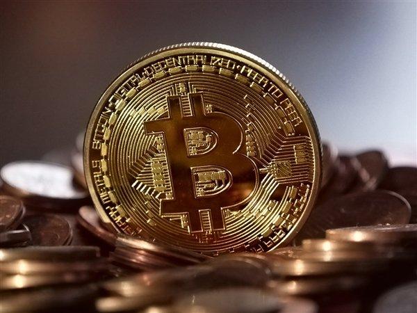 С падением стоимости Bitcoin и выходом из бизнеса многих добытчиков криптовалют оставшиеся майнеры стали зарабатывать больше