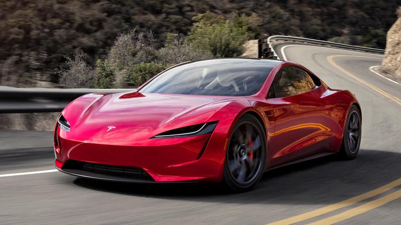Tesla Roadster опоздает минимум на два года. Илон Маск рассказал, когда ждать гиперкар