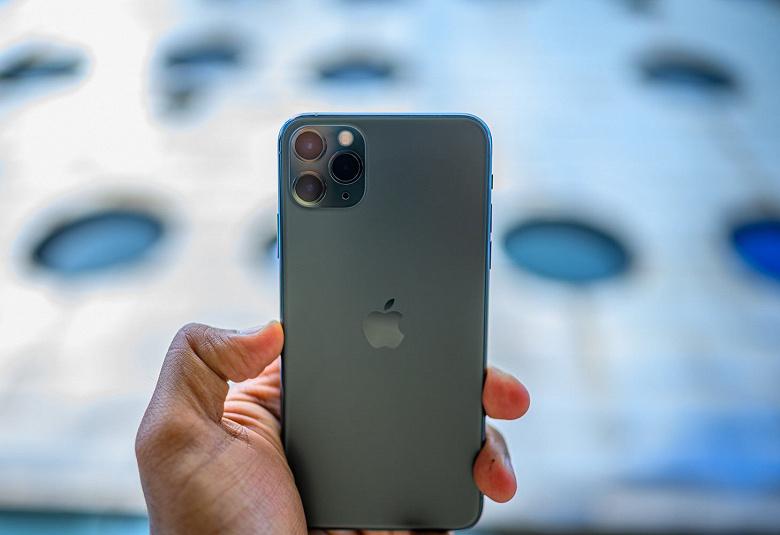 Apple стоит уже более 2,4 трлн долларов