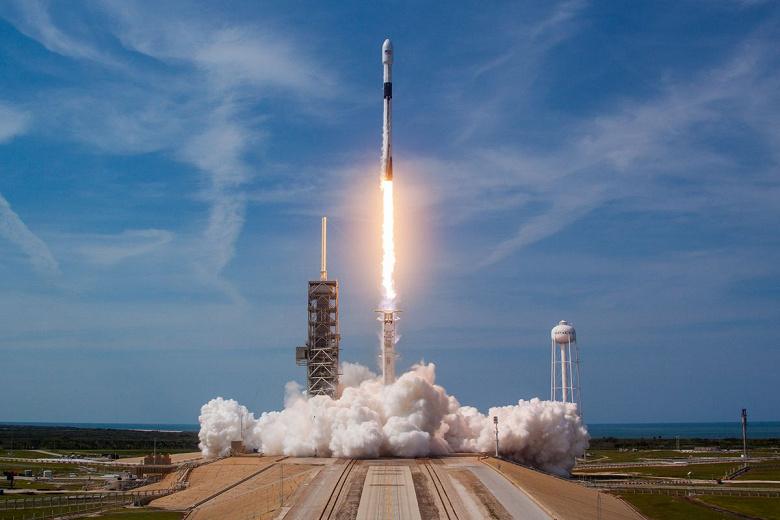 В этот раз SpaceX не смогла вернуть первую ступень Falcon 9 на плавучую платформу