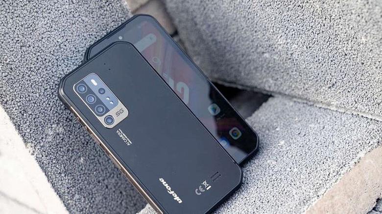 Первый в мире неубиваемый смартфон с ночным видением и 5G оказался действительно очень прочным