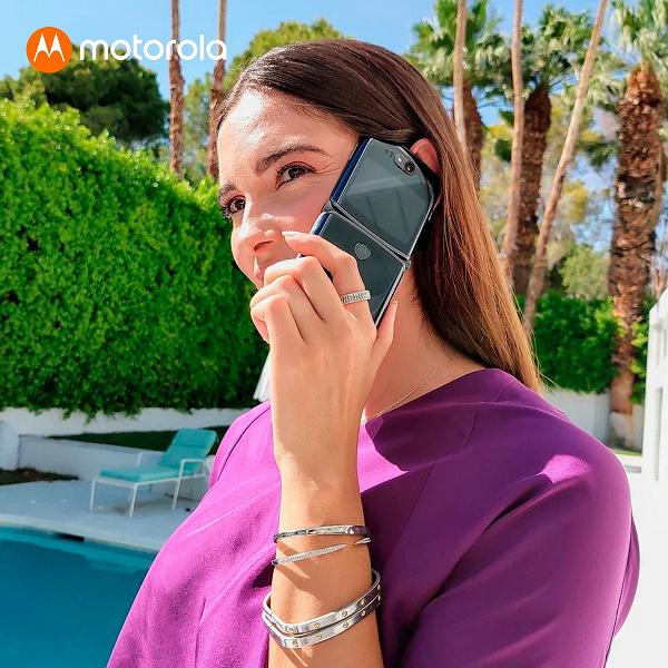 Раскладушка Motorola Razr 5G получила стабильную Android 11