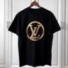 В Омскую область незаконно ввезли футболки а-ля Louis Vuitton на 25 млн