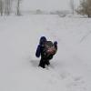 В пригороде Омска дети ходят в школу 3 км по метровым сугробам