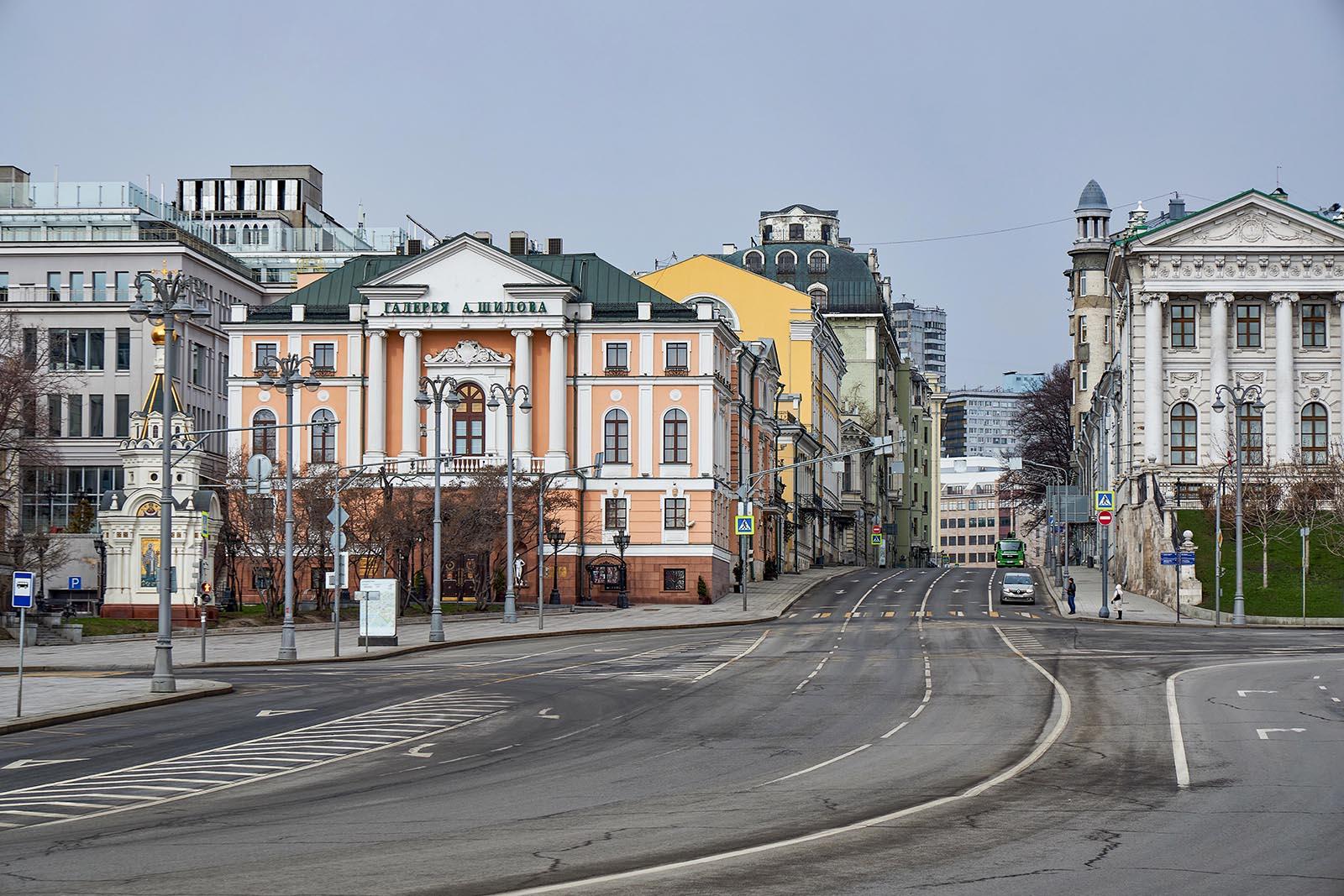 Трансляция: mos.ru покажет продолжение экскурсии по выставке «Москва и москвичи»