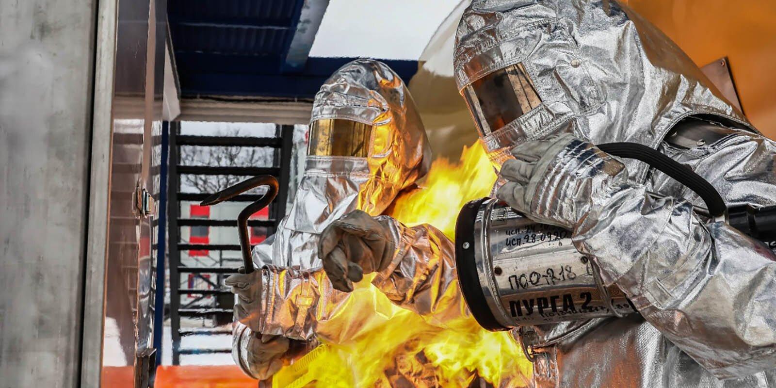 Московские спасатели получили два учебных модуля для отработки действий при пожаре