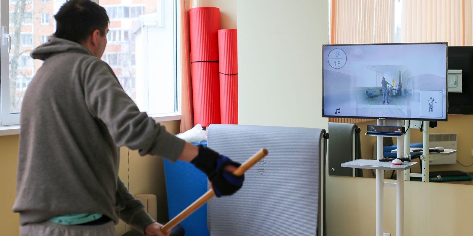 Интерактивные тренировки для реабилитации после инсульта: в столице начали тестировать уникальный тренажер