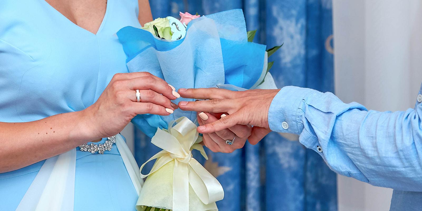 Загсы рассказали, как часто женятся москвичи в новогодние праздники