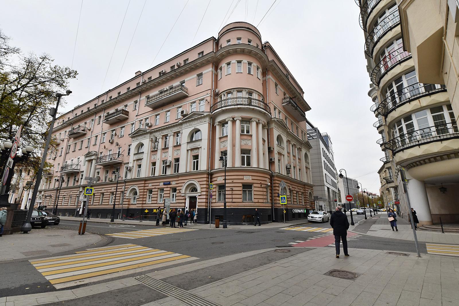 Фасад доходного дома князя Сидамон-Эристова у Патриарших прудов отреставрируют