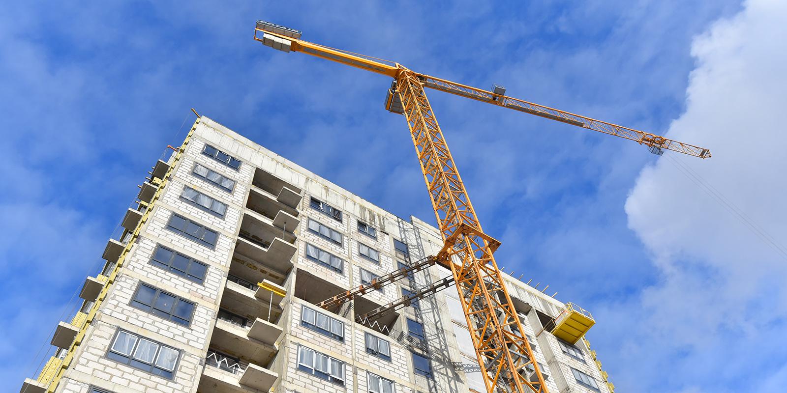 Программа реновации: дом в Нагорном районе достроят в этом году