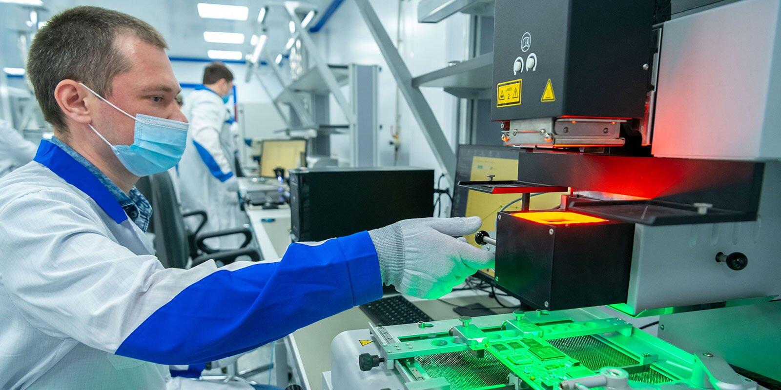 Сергей Собянин: Мощностями лаборатории технопарка «Модуль» могут воспользоваться любые компании сферы искусственного интеллекта