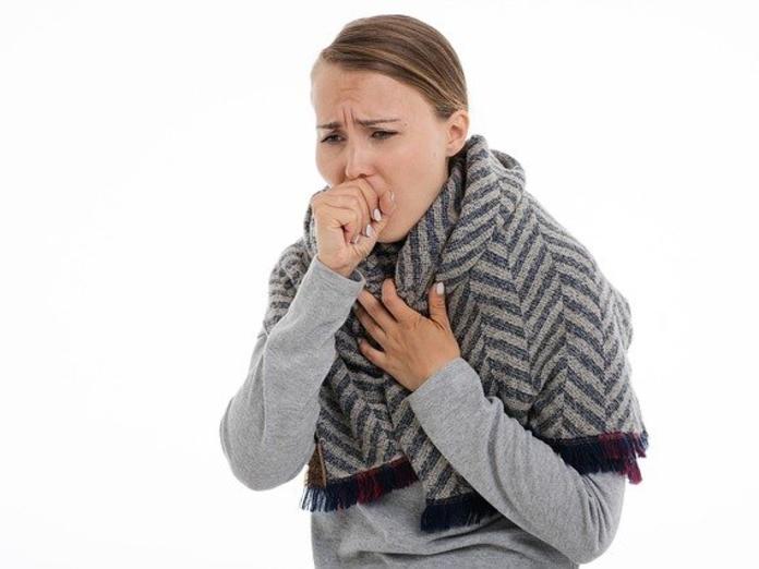 Врач рассказал, как не заразиться COVID-19 от заболевшего члена семьи