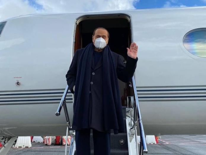 84-летний Сильвио Берлускони попал в больницу после неудачного падения