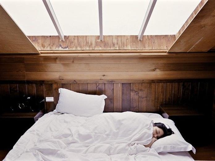 Сомнолог рассказал, как определить индивидуальную норму сна