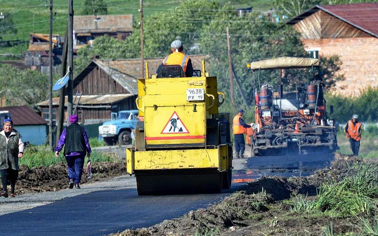 Строят дороги — садятся за взятки: чиновник попался на миллионе