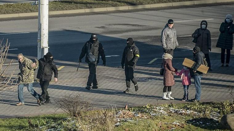 Более 300 человек задержаны в ходе протестной акции в Минске