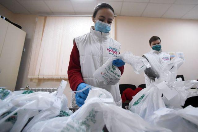 Кузнецова и Фальков оценили роль волонтёров во время пандемии