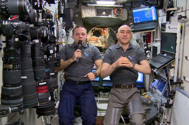 Роскосмос выступил за повышение зарплаты космонавтам