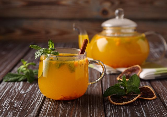 Чем запить простуду? Врач о том, какие напитки помогут быстрее выздороветь