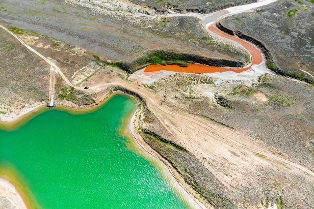 Экокатастрофа под Астраханью. Солёное озеро загрязнится, пресное исчезнет